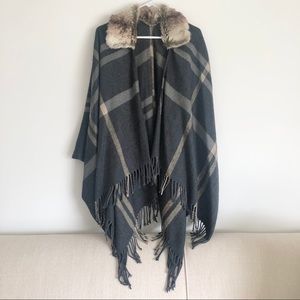 NWOT Plaid Poncho with Fringe and Faux Fur